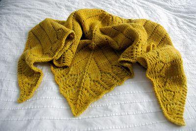 Ochre_shawl01